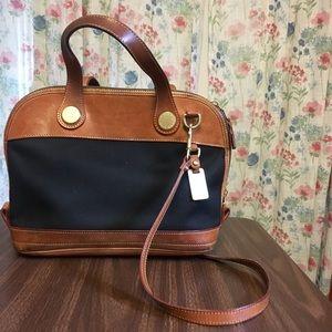Dooney and bourke handbag 👜